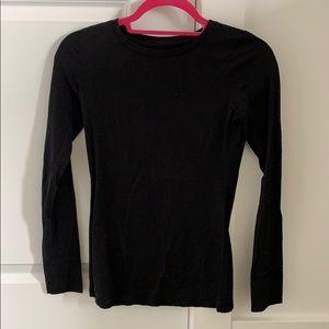 Basic long sleeves black t-shirt